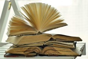 books-1215672_1280